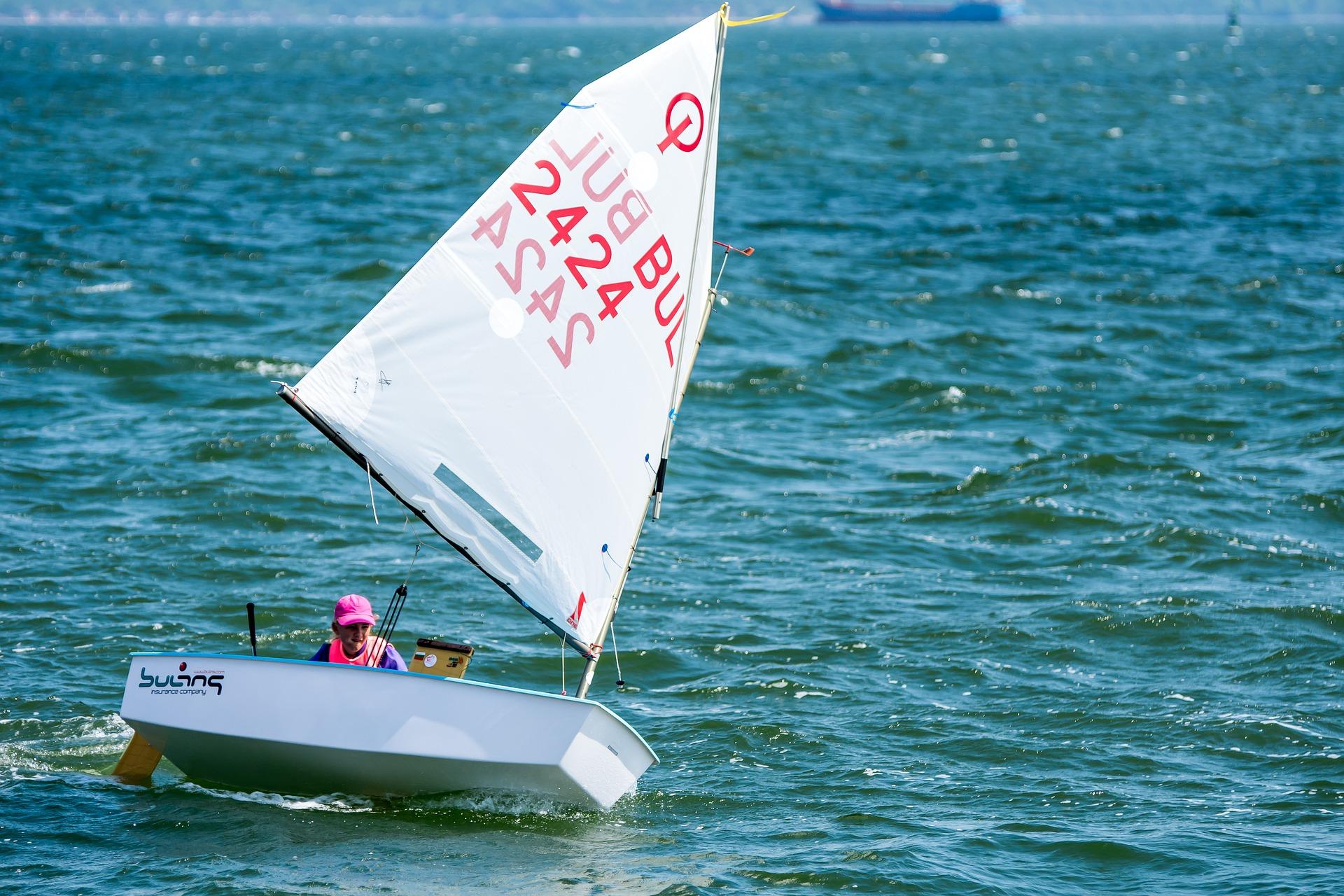yachting-3382395_1920